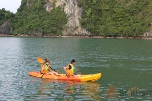kayaking-discover-halong.jpg