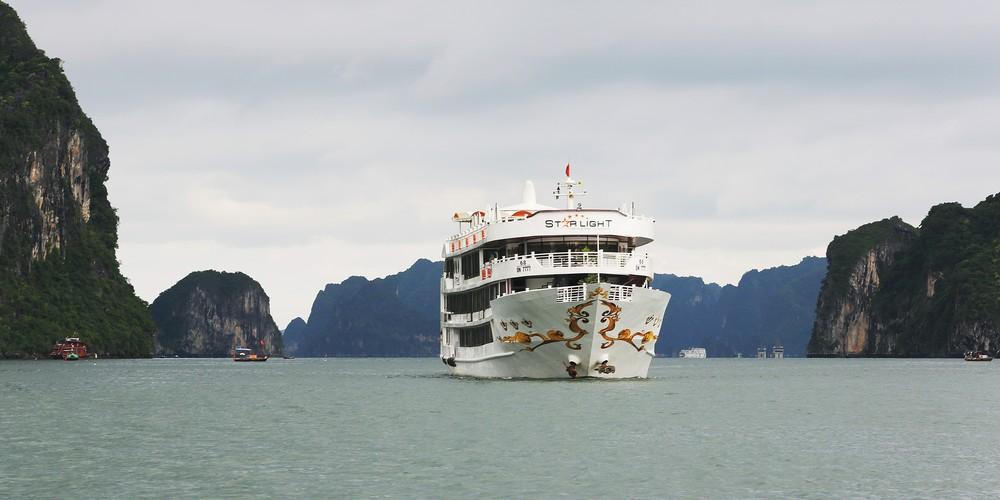 Starlight Cruise 2 days 1 night - Halong bay Tour 2 days 1 night